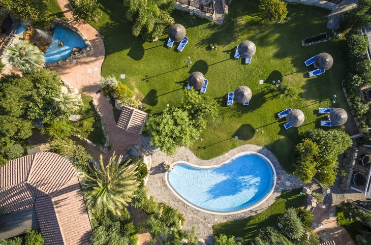 "Cruccuris Resort <div class=""m-page-header__rating""><span class=""m-page-header__rating--star""></span><span class=""m-page-header__rating--star""></span><span class=""m-page-header__rating--star""></span><span class=""m-page-header__rating--star""></span></div>"
