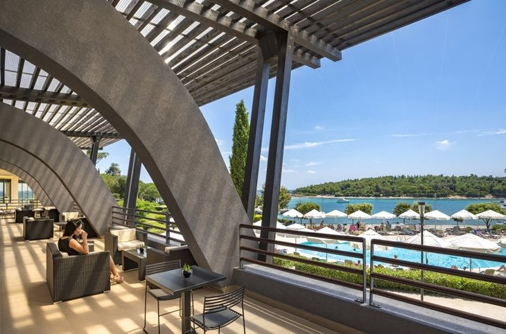"Island Hotel Istra <div class=""m-page-header__rating""><span class=""m-page-header__rating--star""></span><span class=""m-page-header__rating--star""></span><span class=""m-page-header__rating--star""></span><span class=""m-page-header__rating--star""></span></div>"