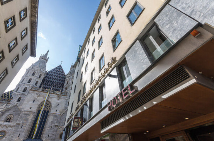 "Hotel am Stephansplatz <div class=""m-page-header__rating""><span class=""m-page-header__rating--star""></span><span class=""m-page-header__rating--star""></span><span class=""m-page-header__rating--star""></span><span class=""m-page-header__rating--star""></span><span class=""m-page-header__rating--s "">s</span></div>"