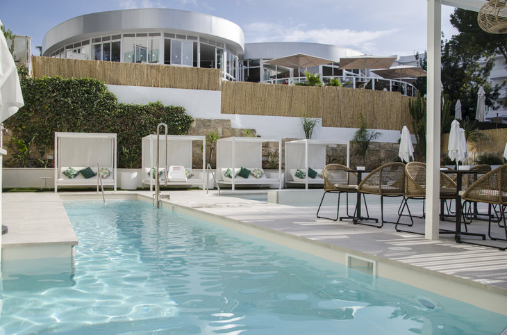 "BQ Paguera Boutique Hotel (adult only) <div class=""m-page-header__rating""><span class=""m-page-header__rating--star""></span><span class=""m-page-header__rating--star""></span><span class=""m-page-header__rating--star""></span><span class=""m-page-header__rating--star""></span></div>"