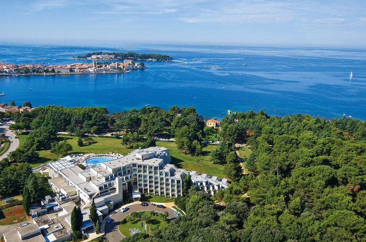 "Valamar Zagreb <div class=""m-page-header__rating""><span class=""m-page-header__rating--star""></span><span class=""m-page-header__rating--star""></span><span class=""m-page-header__rating--star""></span><span class=""m-page-header__rating--star""></span></div>"