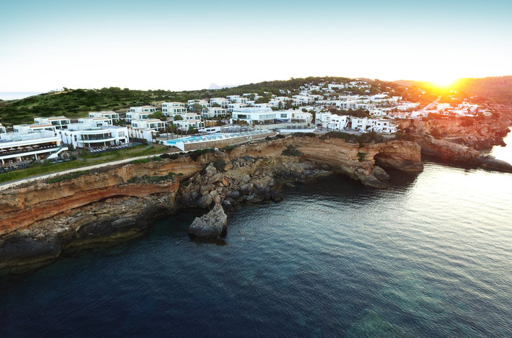 "7 Pines Resort Ibiza <div class=""m-page-header__rating""><span class=""m-page-header__rating--star""></span><span class=""m-page-header__rating--star""></span><span class=""m-page-header__rating--star""></span><span class=""m-page-header__rating--star""></span><span class=""m-page-header__rating--star""></span></div>"